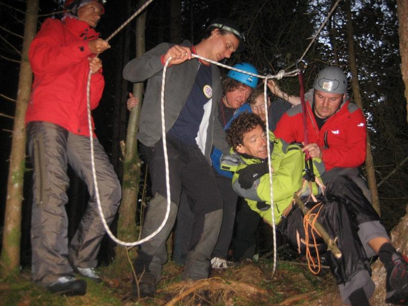 Bergungstechniken im Gelände ¦ Praktische Trainings und Ausbildungen